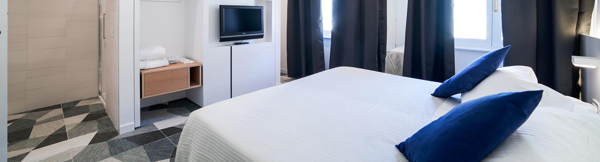 4 star hotel in the city center of Bologna, over 90 design rooms with every comfort