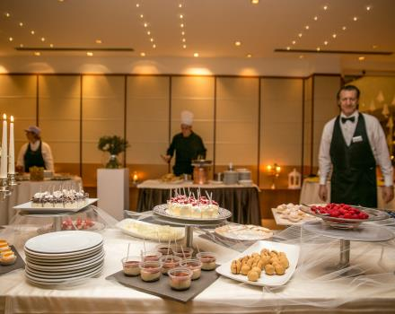 buffet desserts for your fairytale wedding in Bergamo at Best Western Hotel Cappello d''Oro
