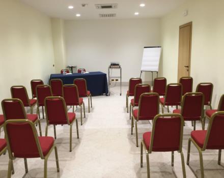 Sala Meeting a platea 1 - Best Western Hotel Cappello D Oro Bergamo 67cea91b3c47